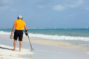 Best Metal Detector for Gold: Complete Reviews with Comparisons